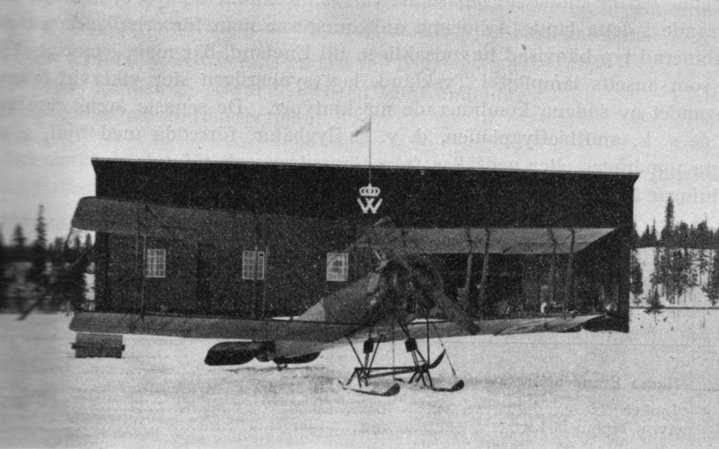 "Avro 504 KL, S-IAB, Nr.1 ""Svalan"" in front of the hangar on skis."