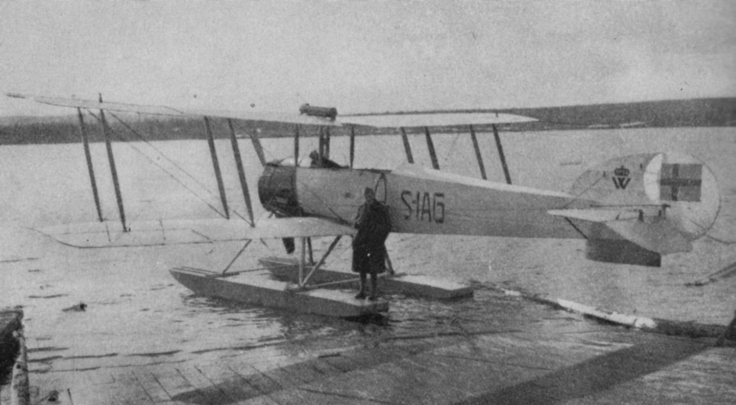 Avro504KL, S-IAG Nr.3 on floats.